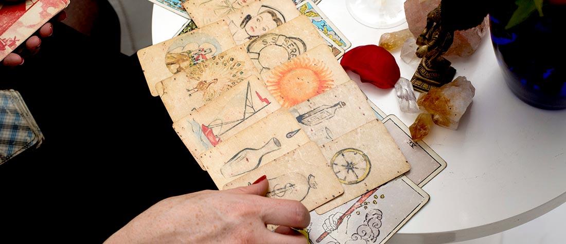 Tarot & Horoscope
